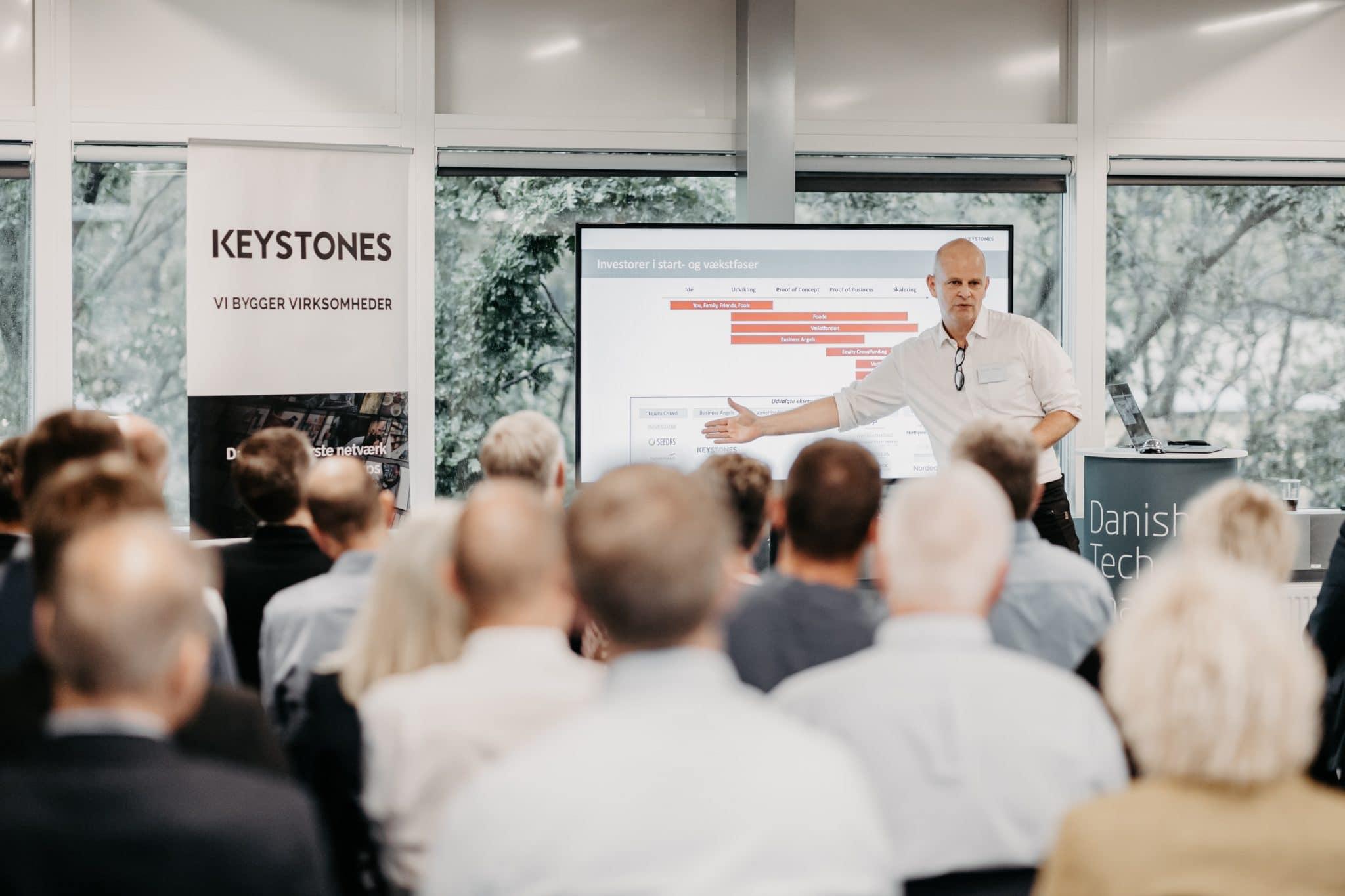 investeringsstrategi, forretningsmodeller, 20 forretningsmodeller, Toolbox, Keystones, medlemsmøde, pitch, iværksætteri, investor, investering i startups, Toolbox, Keystones, medlemsmøde, pitch, iværksætteri, investor, investering i startups, Kenneth Larsen